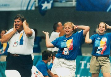 1280px-games_volunteers_doing_the_macarena_during_the_atlanta_paralympics_1